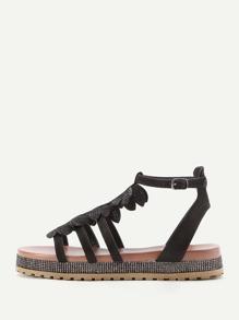 Sandales de la plage avec des franges
