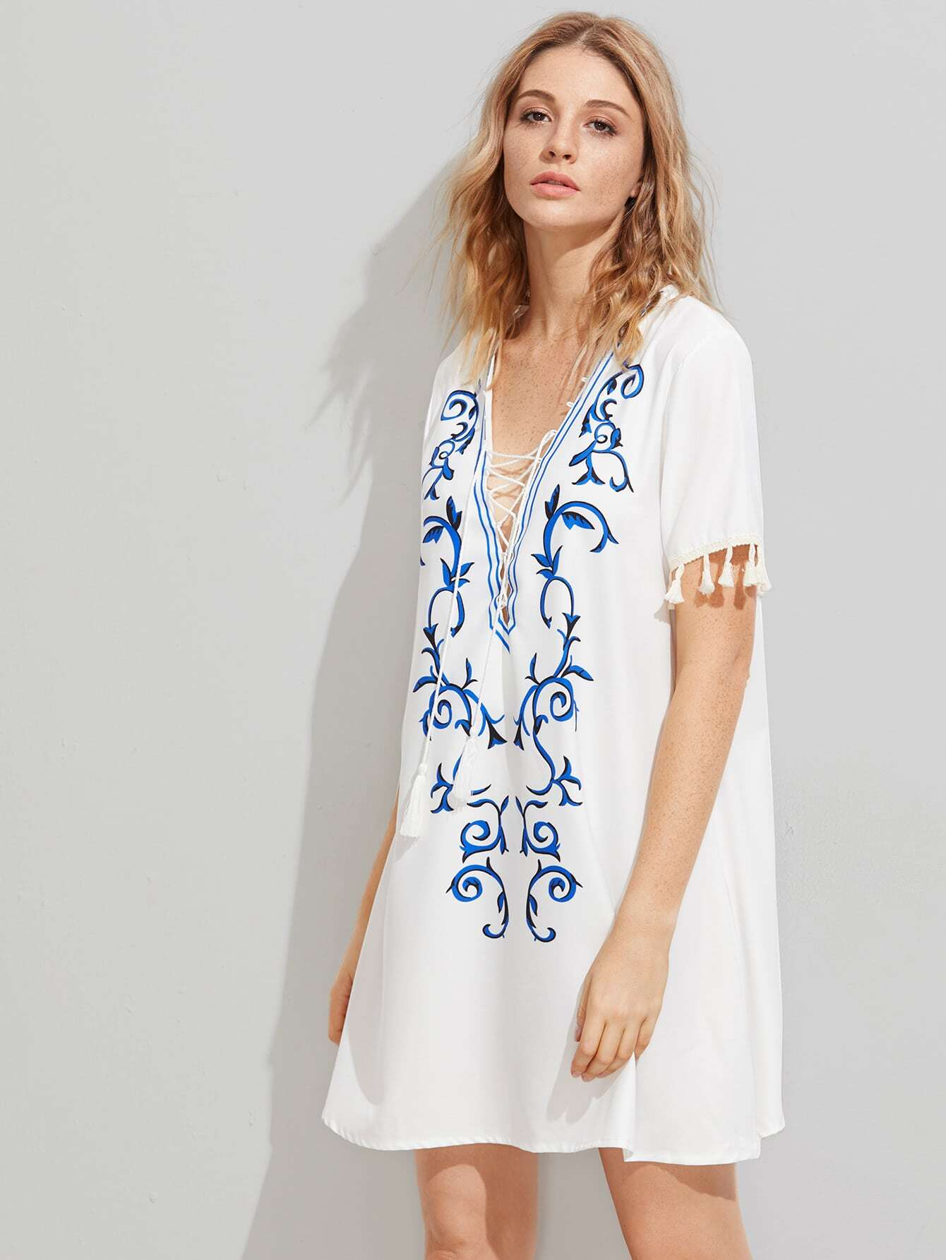 Фото Plunging V-neckline Tassel Trim Printed Dress. Купить с доставкой