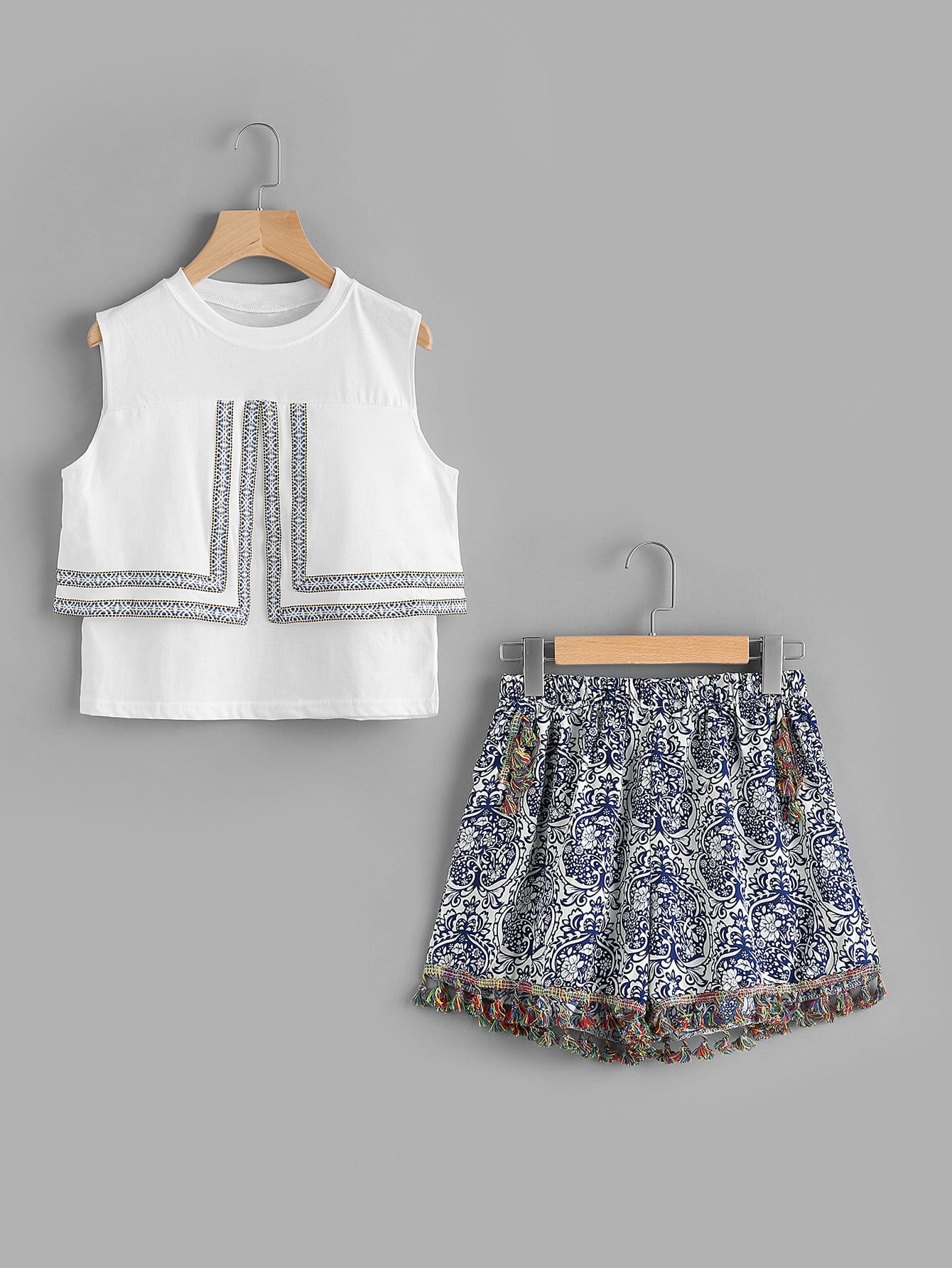 Фото Taped Embroidered Layered Split Top With Tassel Shorts. Купить с доставкой