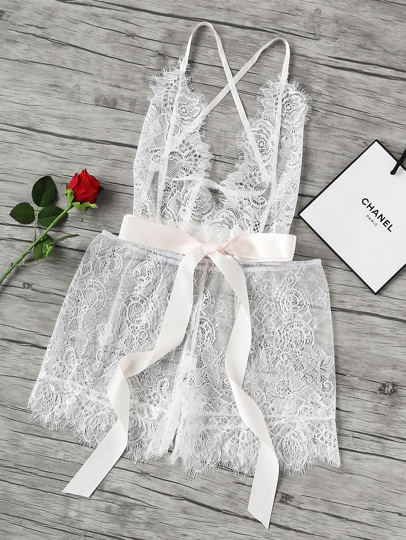 Фото See-Through Floral Eyelash Lace Romper With Ribbon. Купить с доставкой