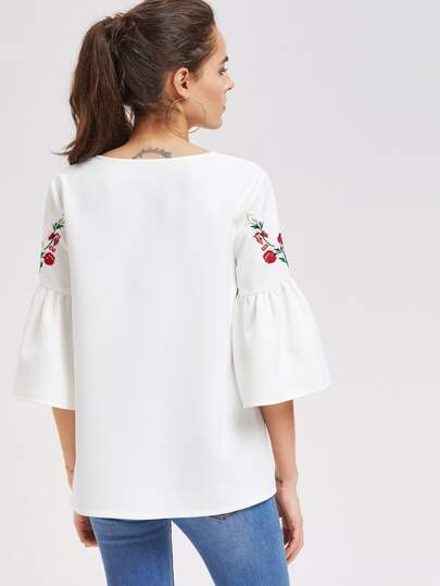 Romwe / Symmetric Flower Embroidered Fluted Sleeve Top