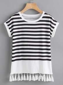 Tee-shirt contrasté à rayures avec des franges