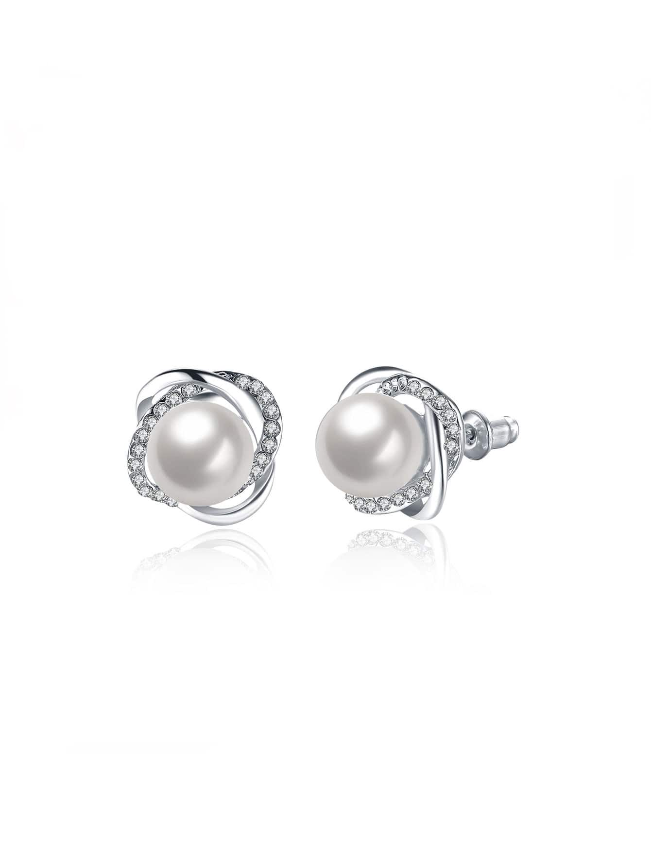Rhinestone And Faux Pearl Design Stud Earrings