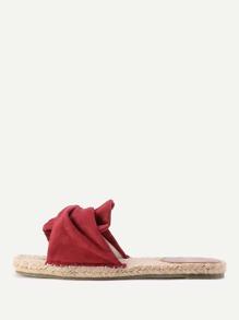 Sandales à fond plat tissé avec nœuds