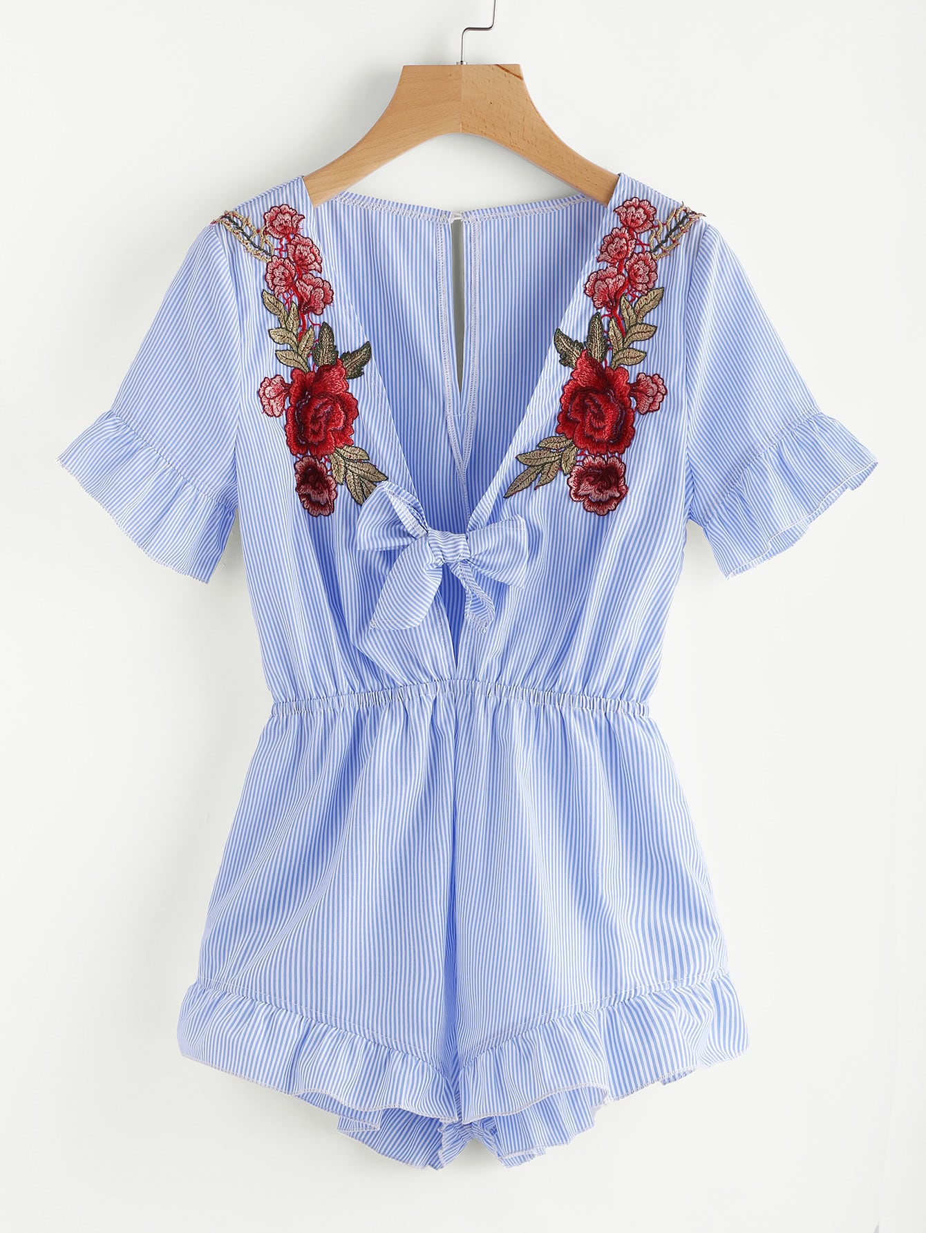 Фото Embroidered Flower Patch Plunging Knot Front Frilled Romper. Купить с доставкой