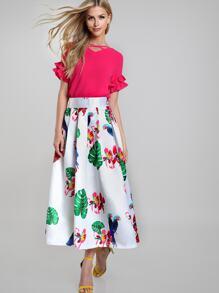 Jupe imprimée des perroquets tropicals avec des plis