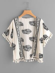 Kimono con estampado y ribete de borlas