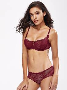 Florals Lace Scallop Trim Underwire Set