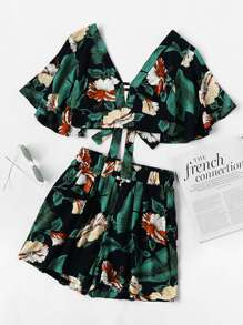 Plunging V-neckline Printed Random Knot Crop Top With Shorts
