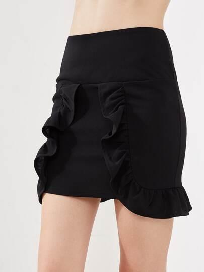 Модная юбка с оборкой фотографии