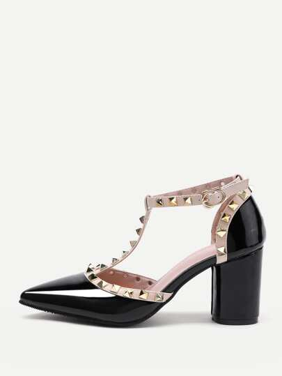 Rockstud verzierte Point Toe Heeled Schuhe