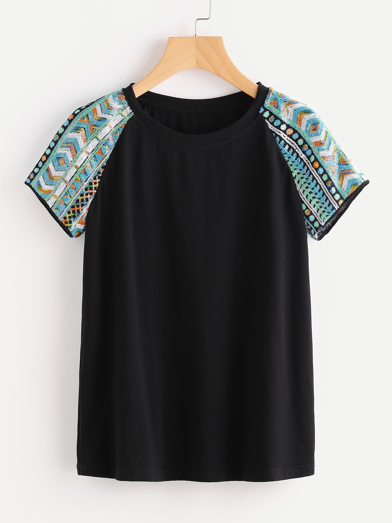 Фото Geo Sequin Embroidered Raglan Sleeve Tee. Купить с доставкой