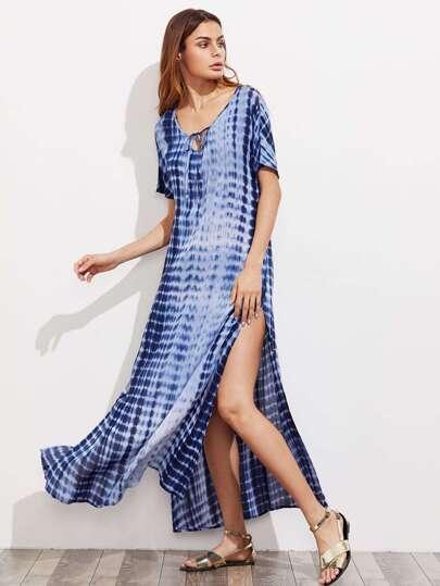 Vestido con abertura alta con estampado tie dye