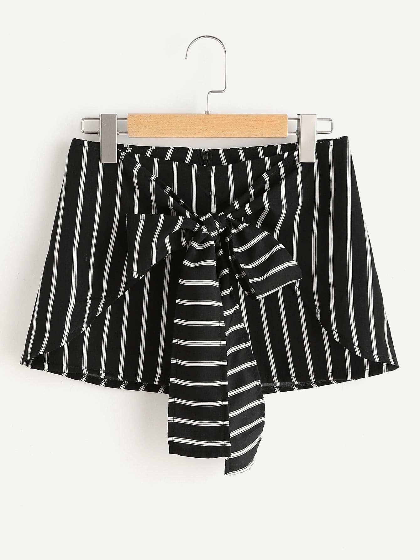 Фото Striped Bow Tie Front Zipper Shorts. Купить с доставкой