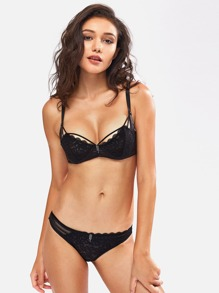 Scallop Strappy Mesh Panel Lace Underwire Set
