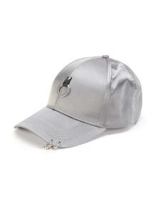 Cappellino di raso