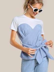 Tee-shirt bustier avec une lacet