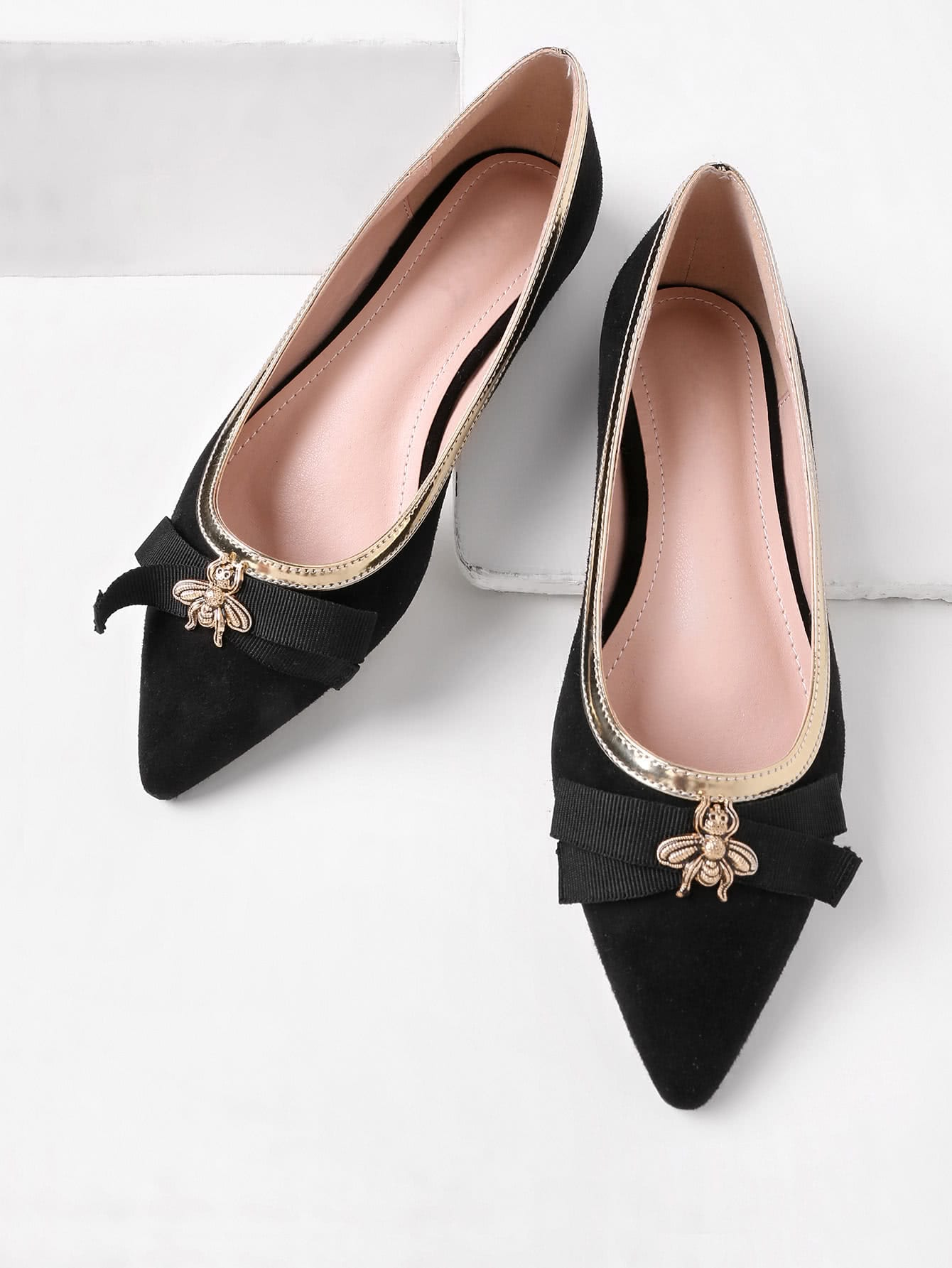 Image of Bee Detail Pointed Toe Piping Flats