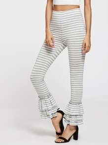 Pantalones a rayas con volantes