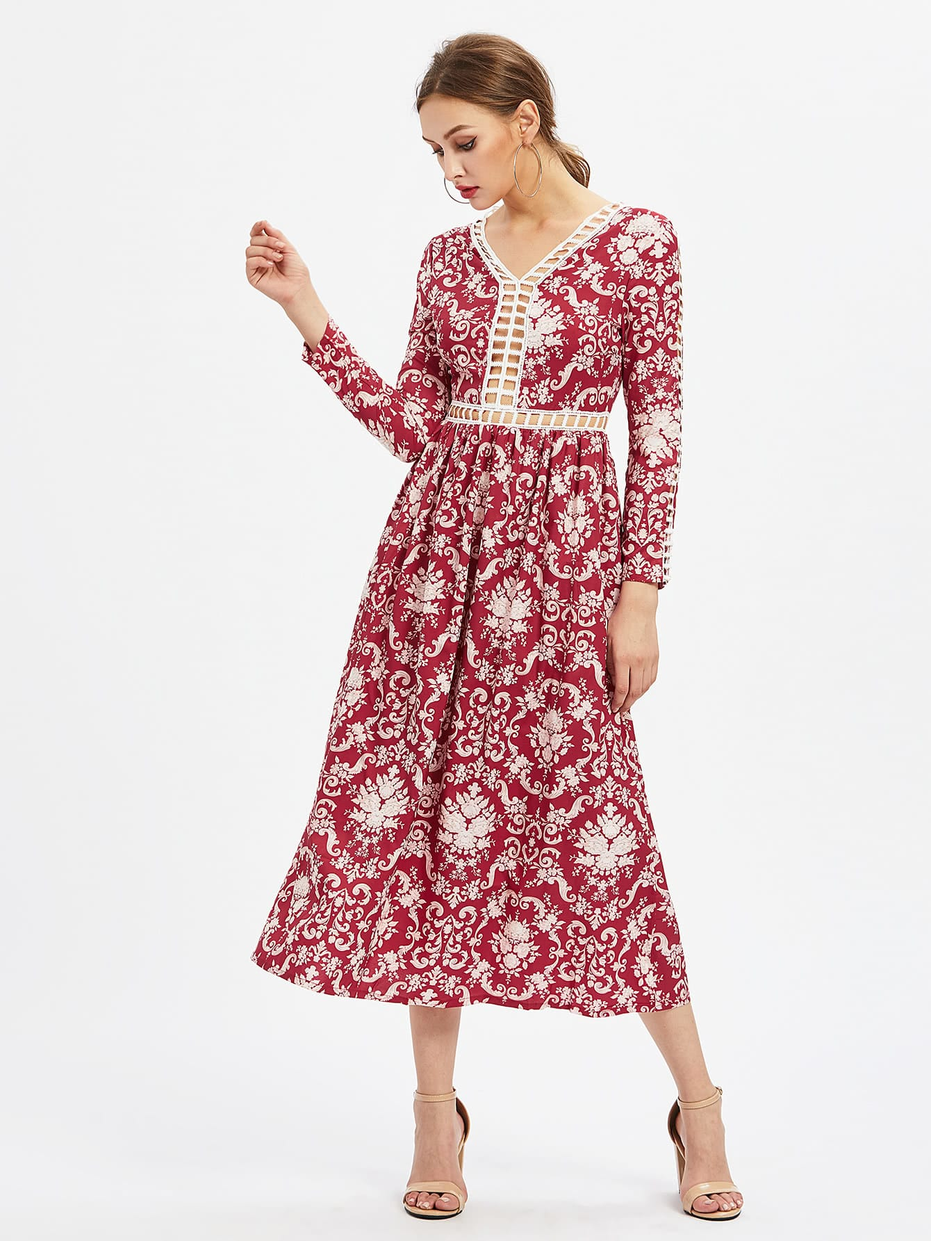 все цены на Baroque Pattern Hollow Out Dress