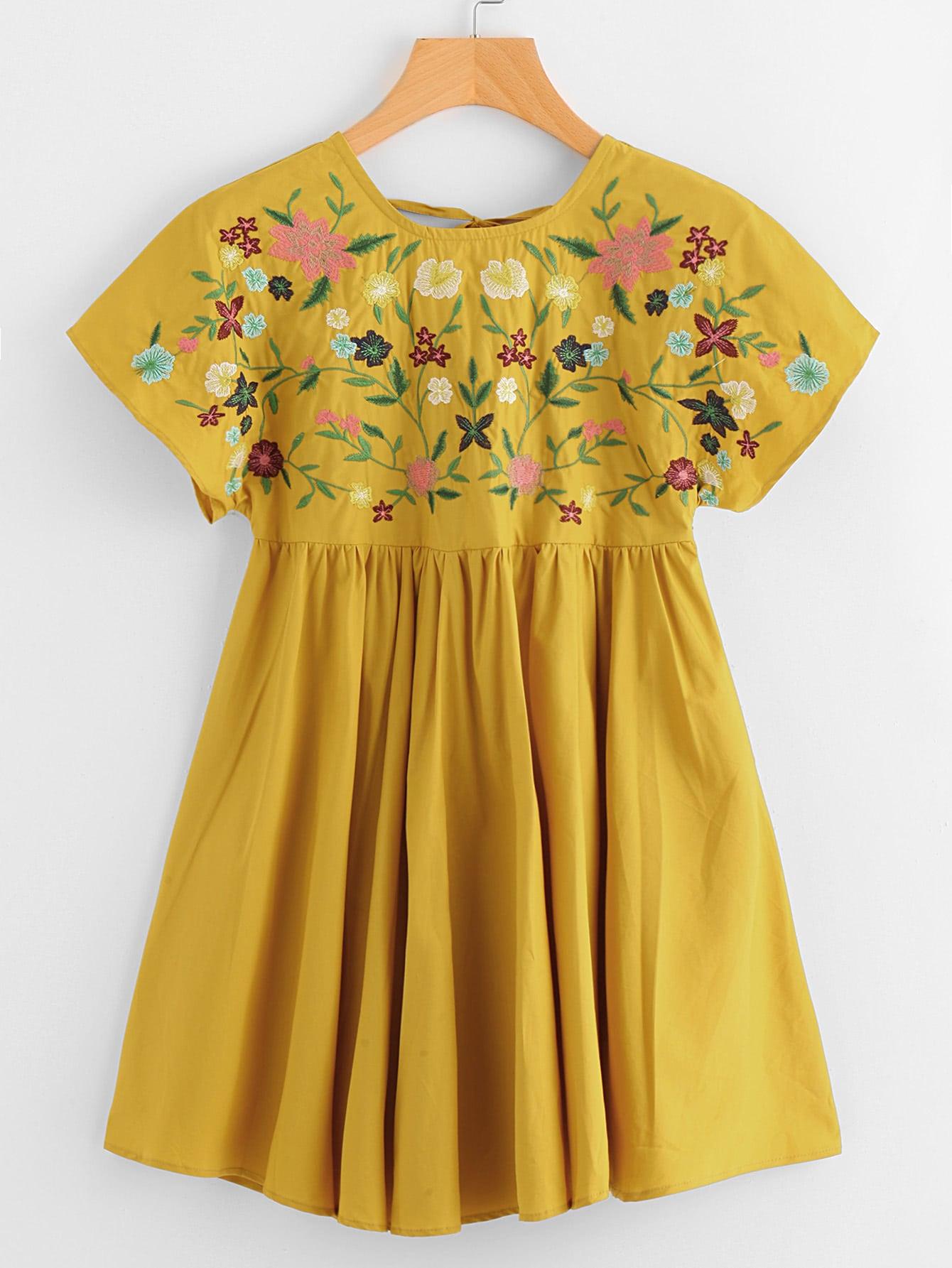 Купить Модное платье с цветочной вышивкой и V-образным вырезом, null, SheIn