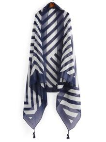 Schal mit Streifen und Quaste