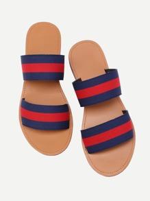 Sandalias planas de color block con correa elástica