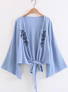 Kimono manche cloche brodé avec nœud avant