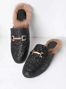 Chanclas mocasines brillante con perla artificial