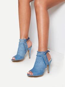 Zapatillas con tacón con detalle rasgado con ojetes