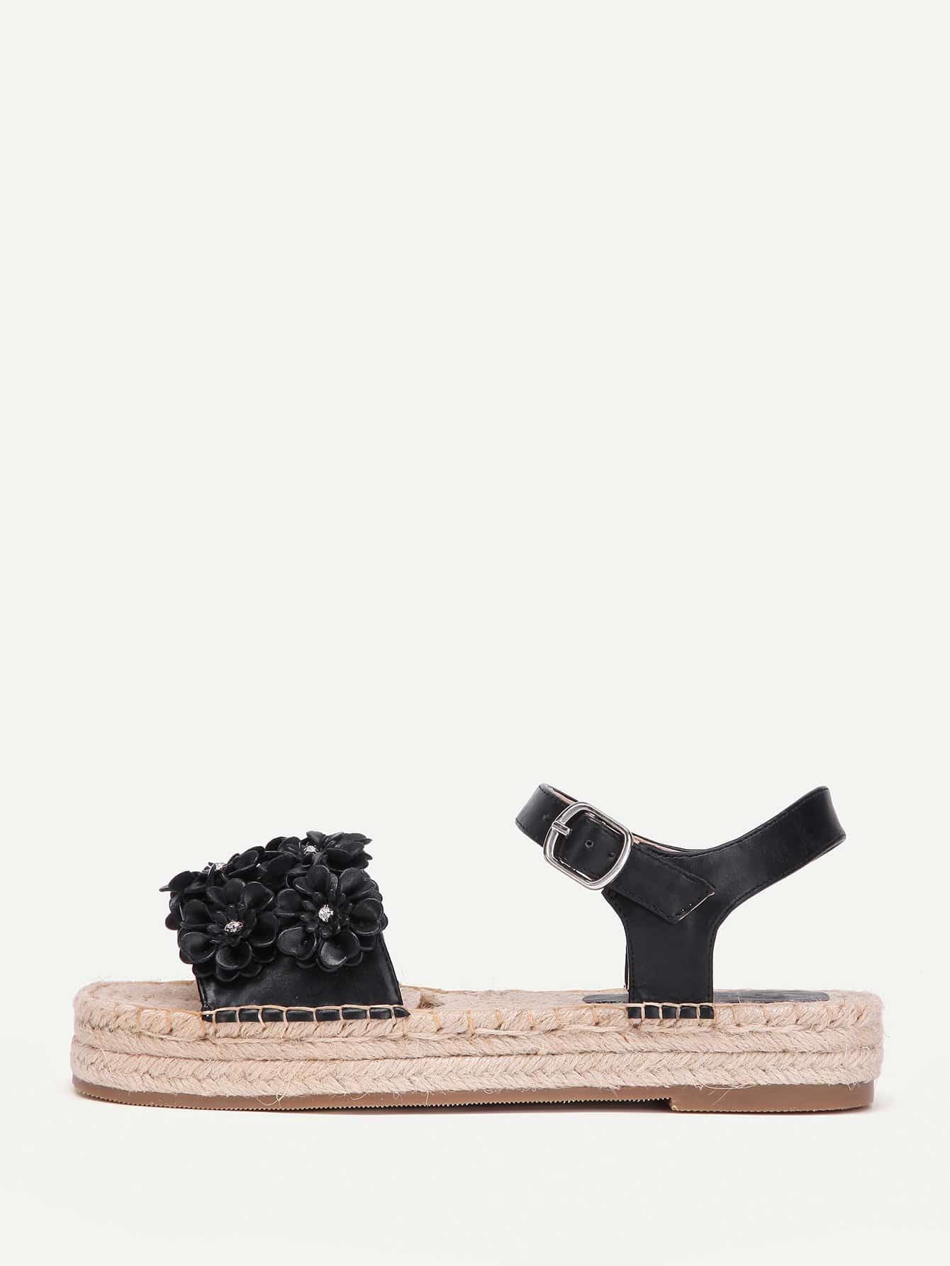 Фото Flower Decorated Woven Platform Sandals. Купить с доставкой