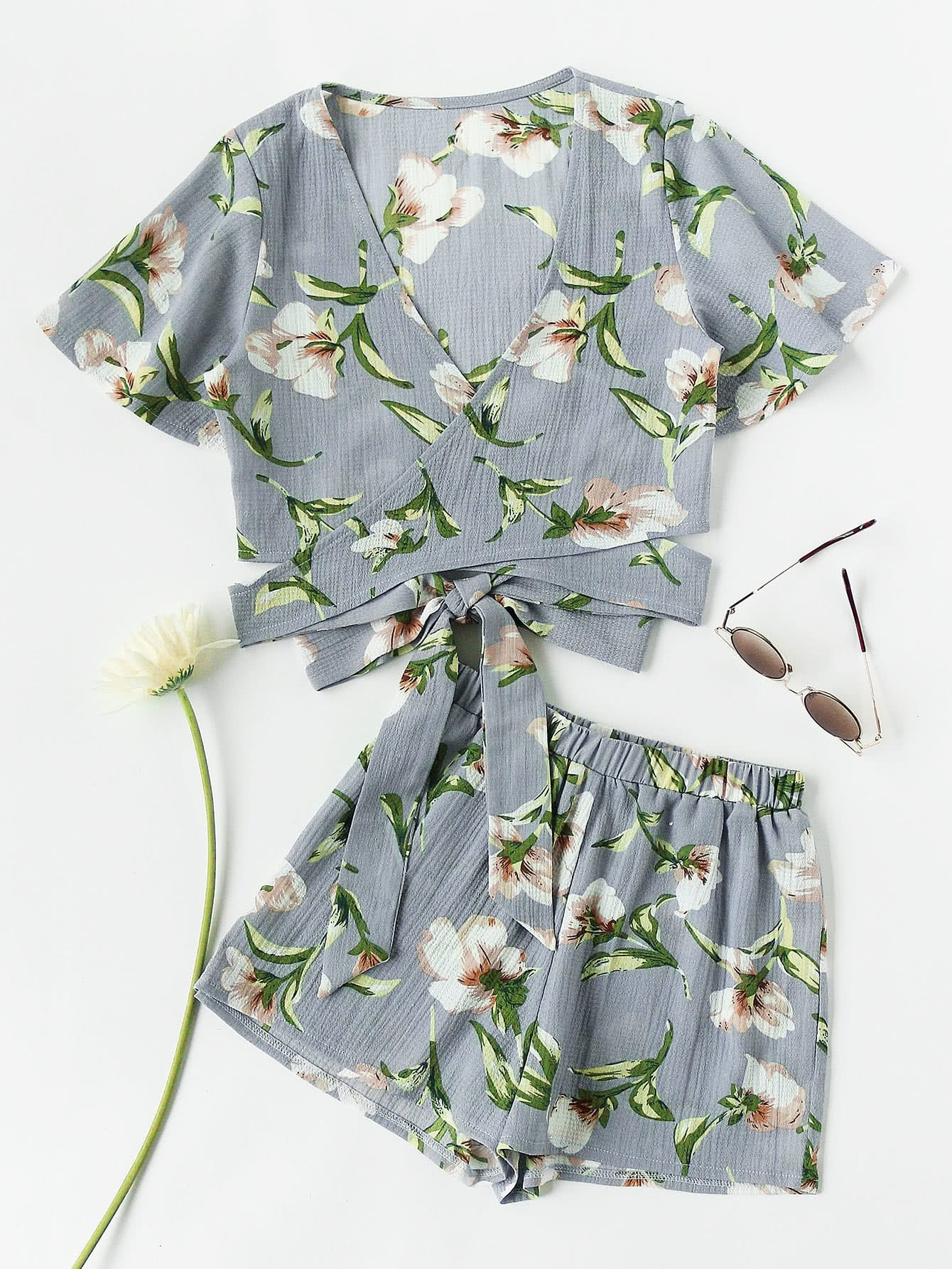 Allover Florals Crisscross Tie Detail Top With Shorts