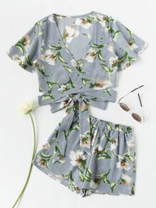 Conjunto floral y detalle de cordón
