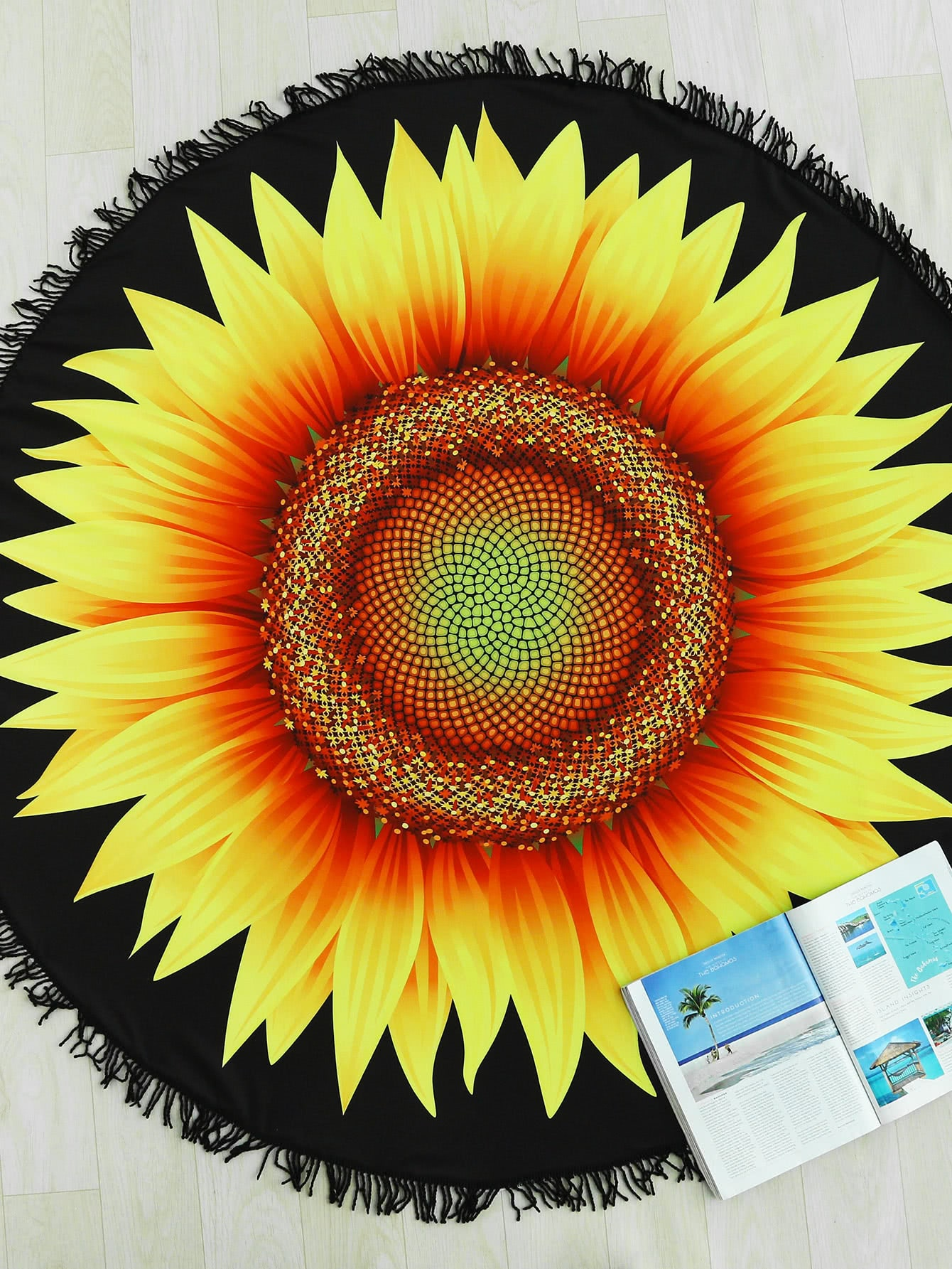 Фото Sunflower Print Fringe Trim Round Beach Blanket. Купить с доставкой