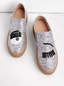 Zapatillas de lona con dibujo de pestaña sin cierre