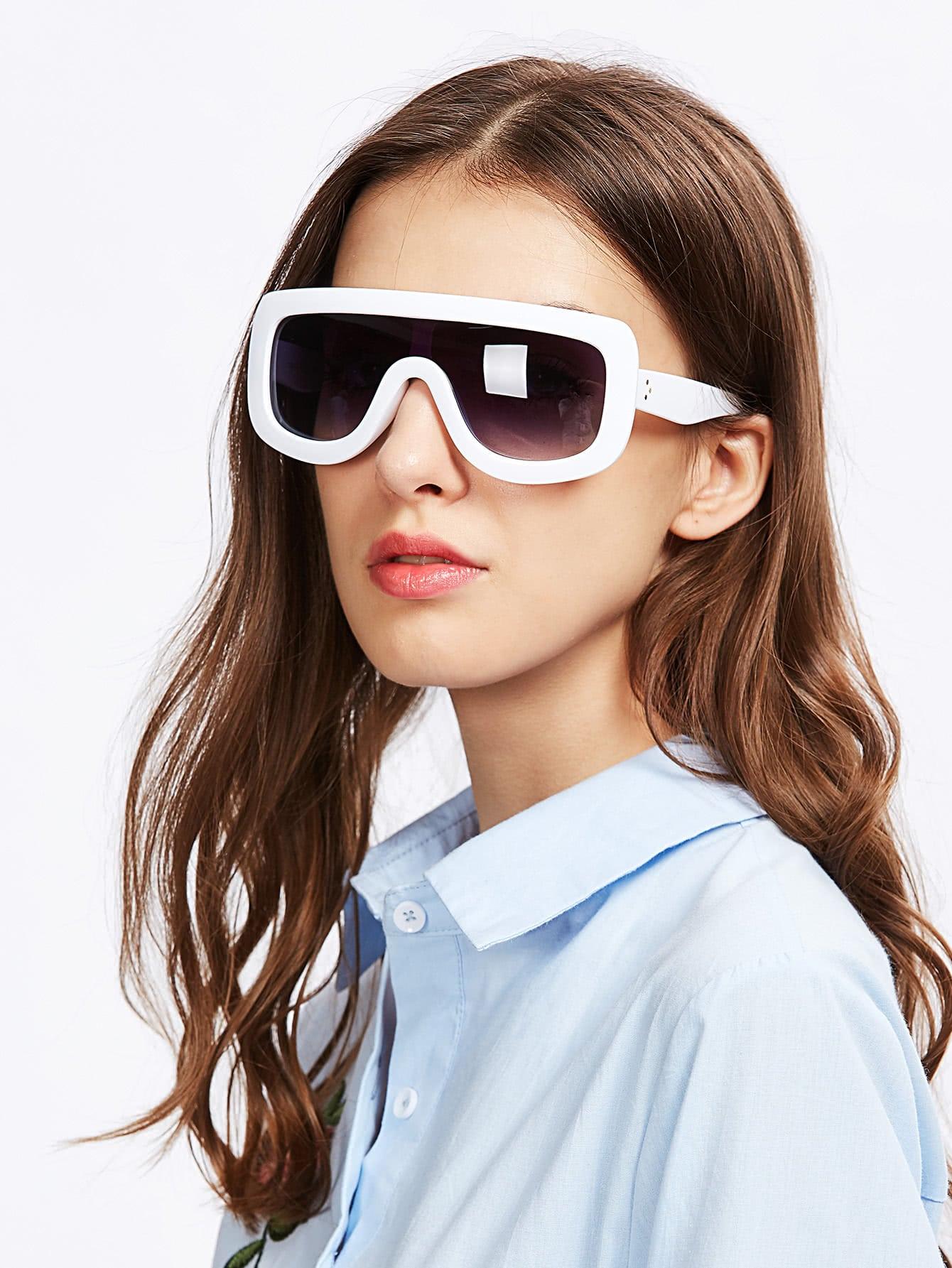 Фото Contrast Trim Visor Sunglasses. Купить с доставкой