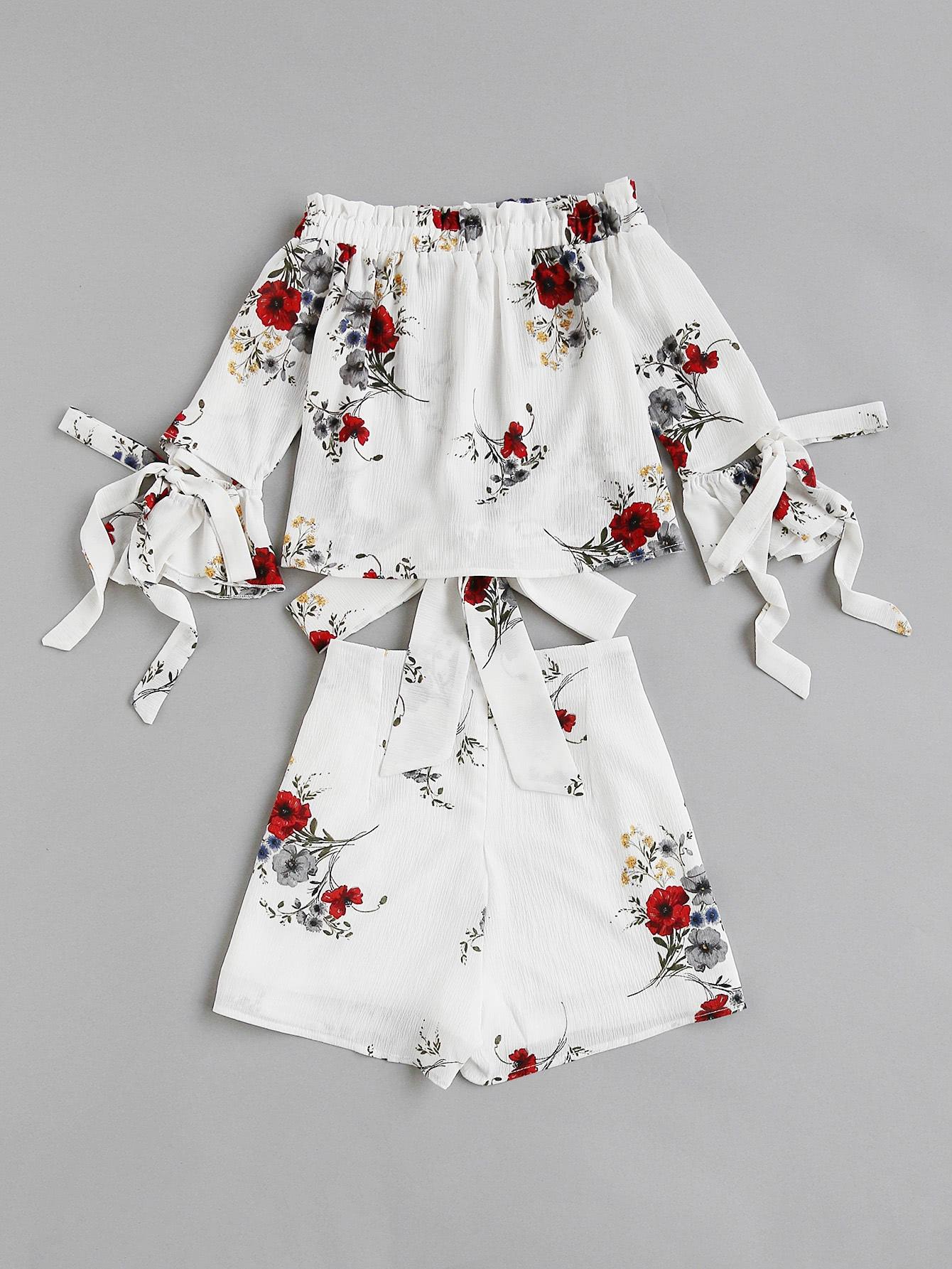 Фото Bow Tie Detail Bardot Top And Wrap Shorts Co-Ord. Купить с доставкой