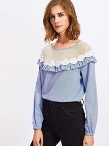 Модная блуза с аппликацией и сетчатой вставкой фотографии