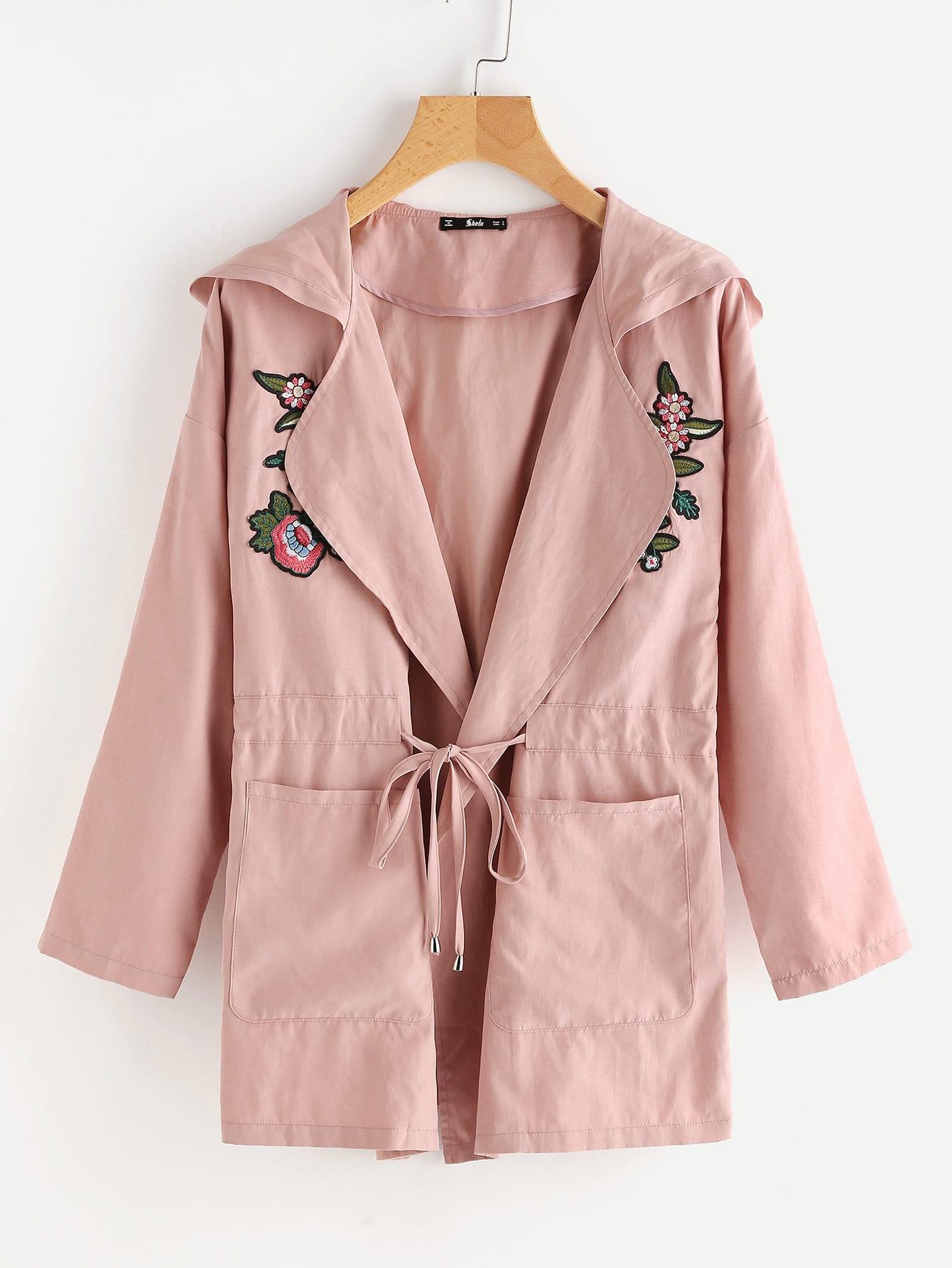 Hooded Mantel mit Stickereien, Blumen Applikation und Kordelzug um die Taille