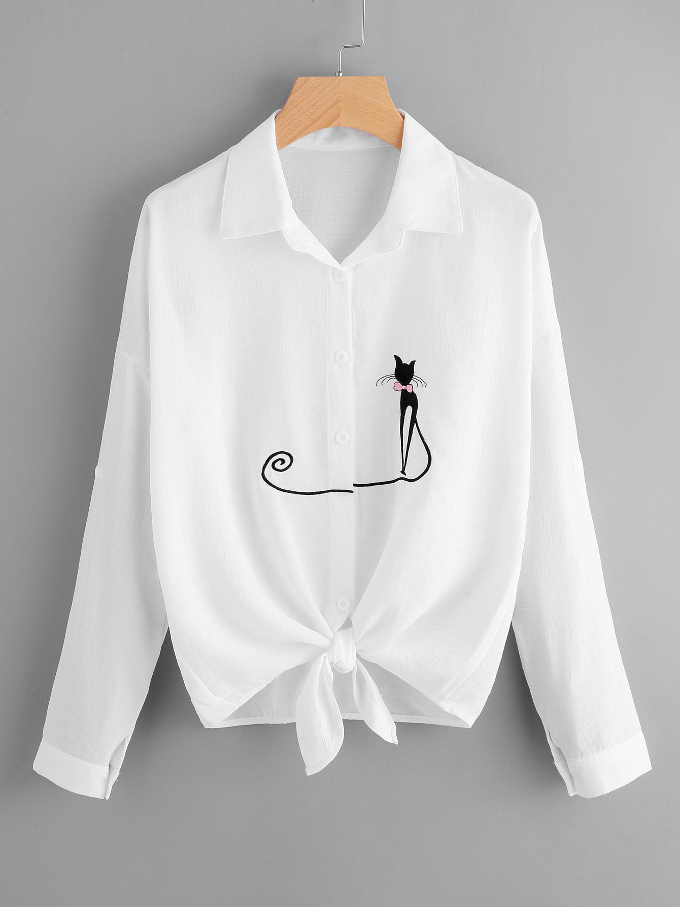 Фото Drop Shoulder Cat Embroidered Knotted Hem Shirt. Купить с доставкой