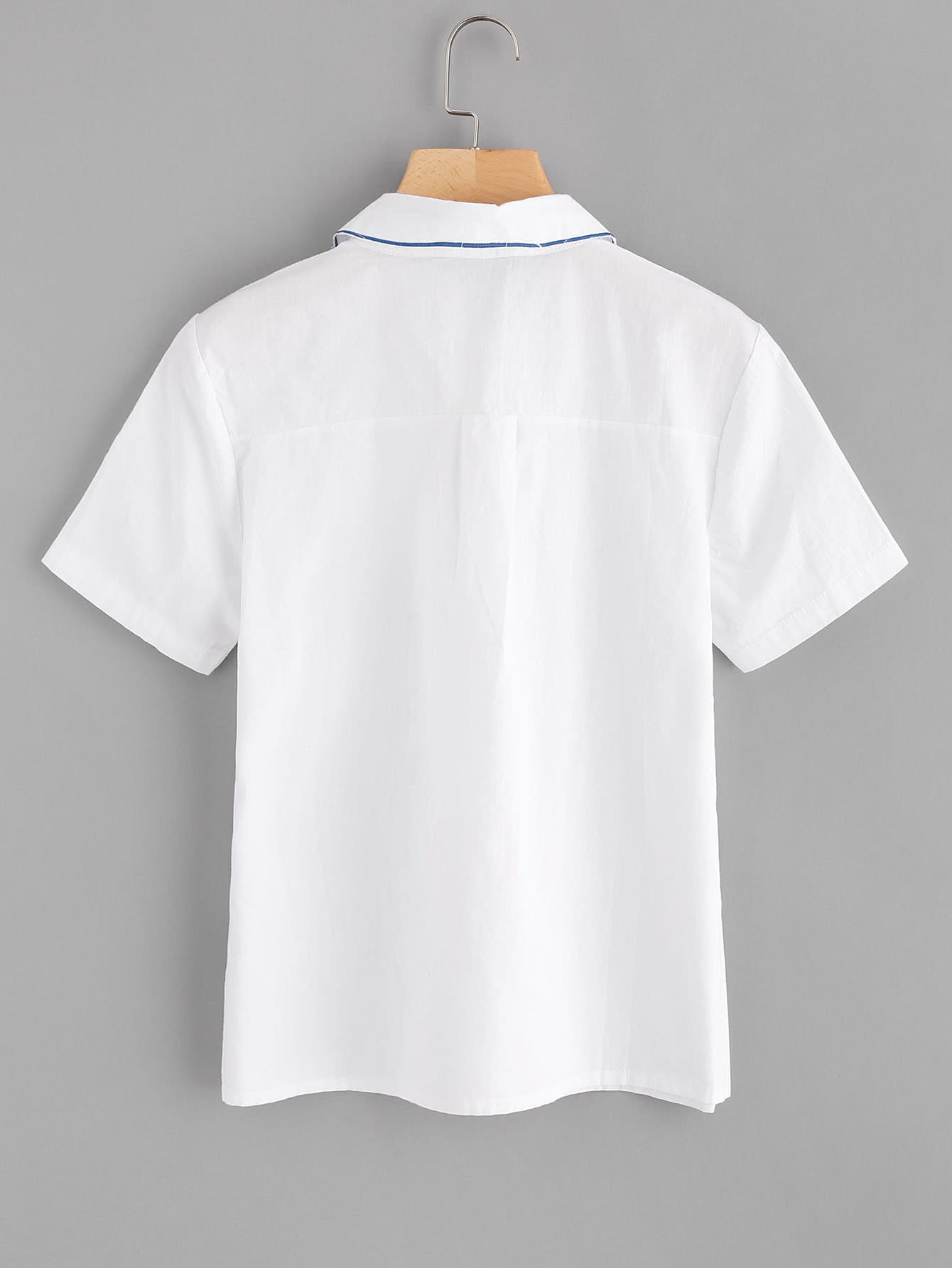 Hand-shaped Collar Embroidered Shirt