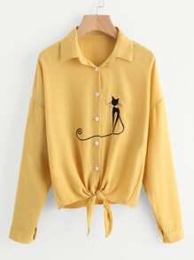 قميص مطرز شكل قطة أكتاف منخفض وحافة بربطة