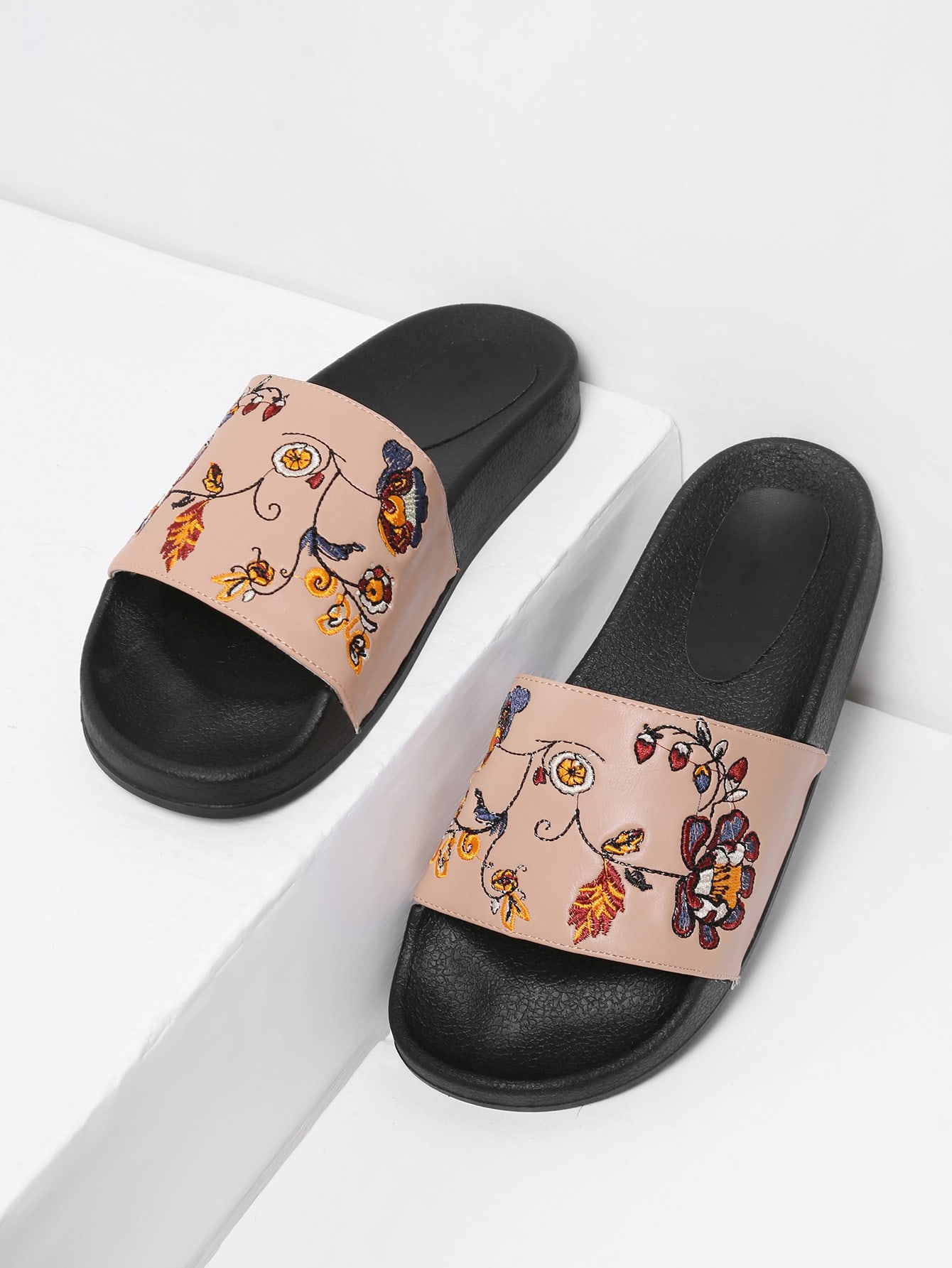 Flower Embroidery PU Slip On Sandals shoes17081505