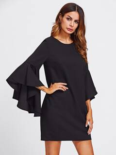 Exaggerate Bell Sleeve Buttoned Keyhole Dress