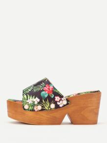 Faux Pearl Decorated Jungle Print Platform Wedges