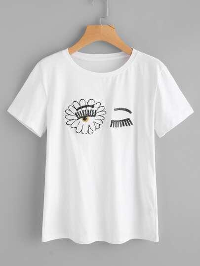 Модная футболка с блестками фотографии