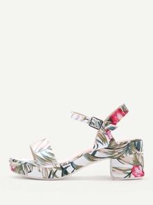 Sandales imprimées des lettres