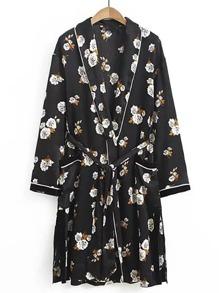 Kimono col en châle avec une ceinture