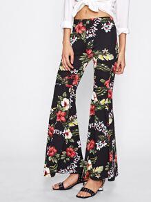 Pantalones con estampado tropical con vuelo  fotos