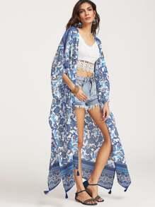 Синее модное кимоно с бахромой и цветочным принтом